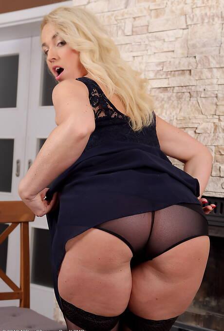 Big Ass Upskirt Pictures