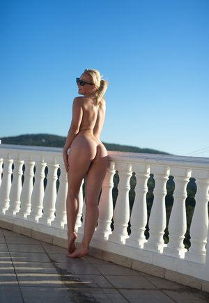 Glass Ass Pictures